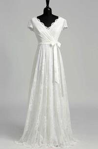 Elegant Scalloped V-neck Long Lace Wedding Dress