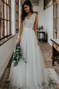 A Line Scalloped V-neck Tulle Lace Floor-length Sleeveless Wedding Dress