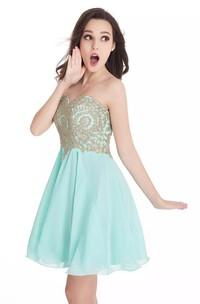 A-line Sweetheart Sleeveless Beading Lace Pleats Short Mini Chiffon Lace Homecoming Dress