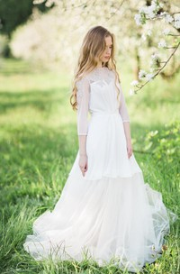 Lace Weddig Dress With Appliques Button