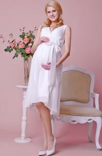 Allover Chiffon Knee Length Maternity Wedding Dress With V Neck and Satin Bow
