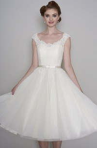 Cap Sleeve Vintage Lace V-neck Tulle Tea length Wedding Dress With Buttons
