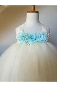 Sleeveless Jewel Neck Lace Bodice Pleated Tulle Gown With Bow and Keyhole