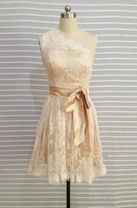 Lace Short One-shoulder Dress With Satin Ribbon