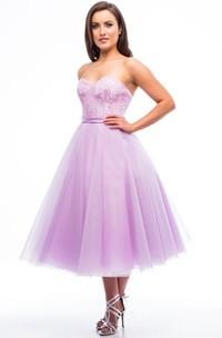 Tea-Length A-Line Sweetheart Sleeveless Appliqued Tulle Bridesmaid Dress