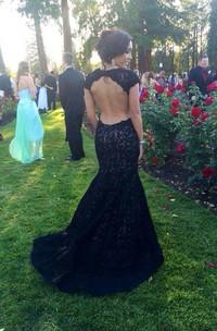 Modern Lace Black Mermaid 2018 Prom Dress Sweep Train Cap Sleeve
