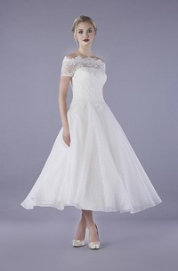Illusion Lace Vintage Bateau Tulle Ankle Length Wedding Dress With Buttons
