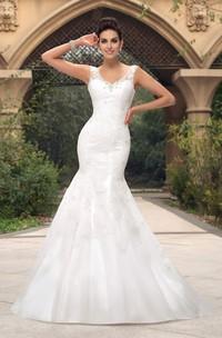 Lace Appliqued V-neck Sleeveless Mermaid Open Back Wedding Dress