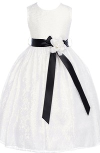 Sleeveless A-line Lace Dress With Flower and Bow
